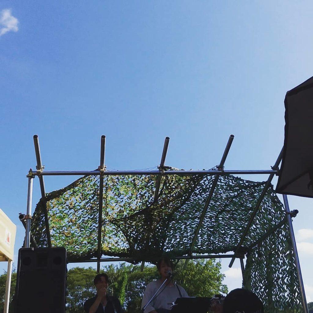 舞台から青い空へ